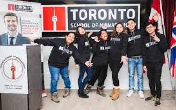 Study for Business Management course with 6 months internship at Toronto Canada
